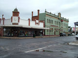 Picture relating to St Arnaud - titled 'Commonwealth Hotel St Arnaud'
