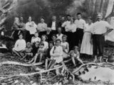 Picture relating to Turtle Bay - titled 'Strutton Family, Turtle Bay, Queensland, 1916'