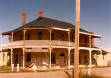 Avenel Harvest Home Hotel Built in 1872 by George Stewart as a single storey hotel. Second floor plus balcony and verandah added approx 1915. De licensed in 1927, and then e. Hollaway conducted a grocery store and then by the Vearing Family. Upstairs was the accomadation.