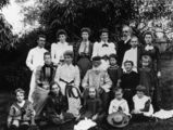Picture relating to Queensland - titled 'Members of the Buzacott, Alder and Woodyatt families'