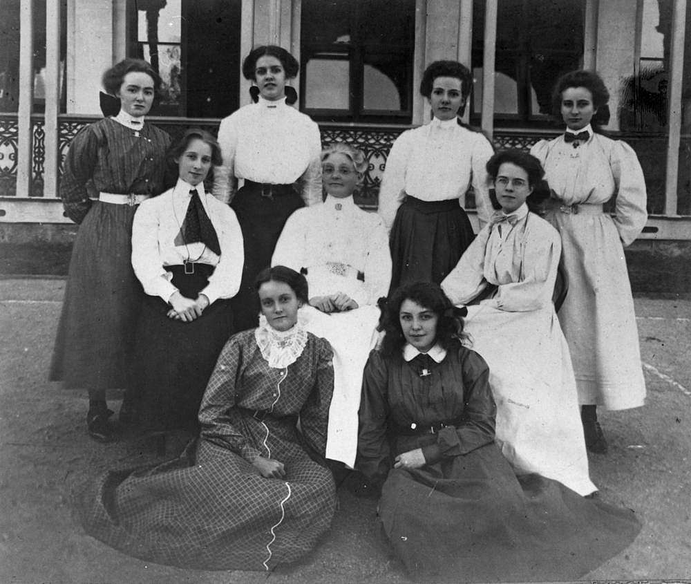 Staff, teachers and students from the Brisbane Girls Grammar school,  Brisbane, Queensland in ca.1902. All are wearing long dresses with high  collars ...