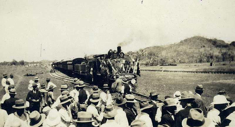 Picture of / about 'Mount Isa' Queensland - Greeting the officials train at Mount Isa, western Queensland