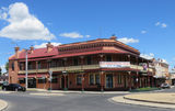 Picture relating to Glen Innes - titled 'Glen Innes Grand Central Hotel'