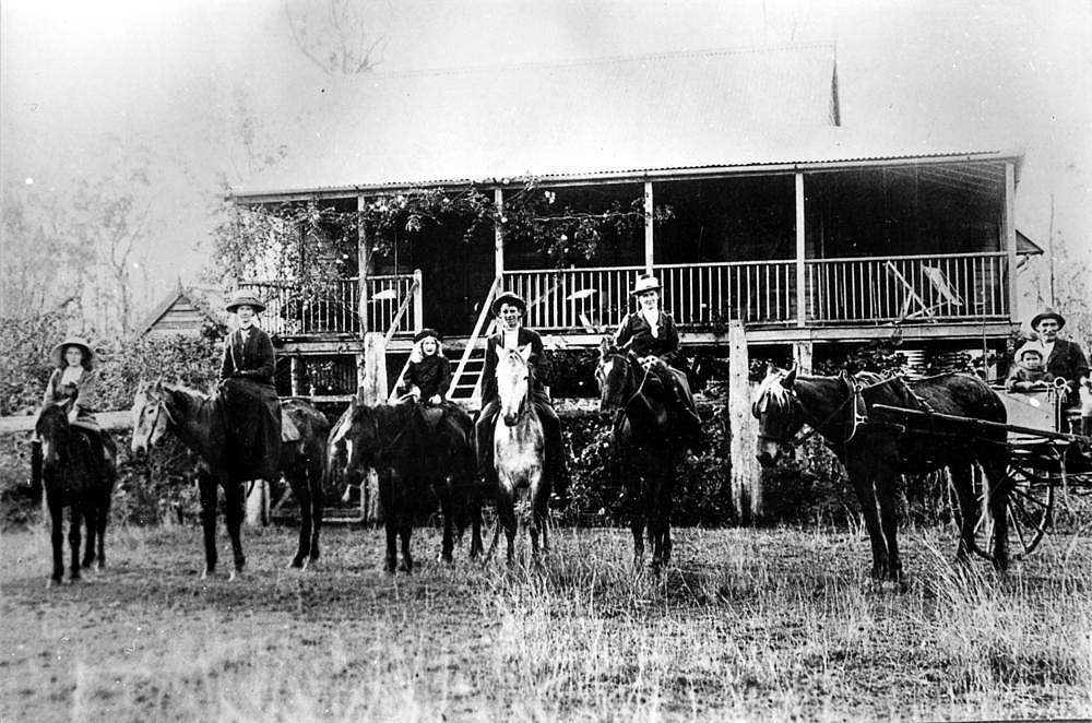 Picture of / about 'Calliope' Queensland - Joiner family gathering at Waterloo property in the Calliope district, 1914