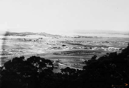 Picture of / about 'Manuka' the Australian Capital Territory - View from Red Hill across Manuka and Kingston to Duntroon