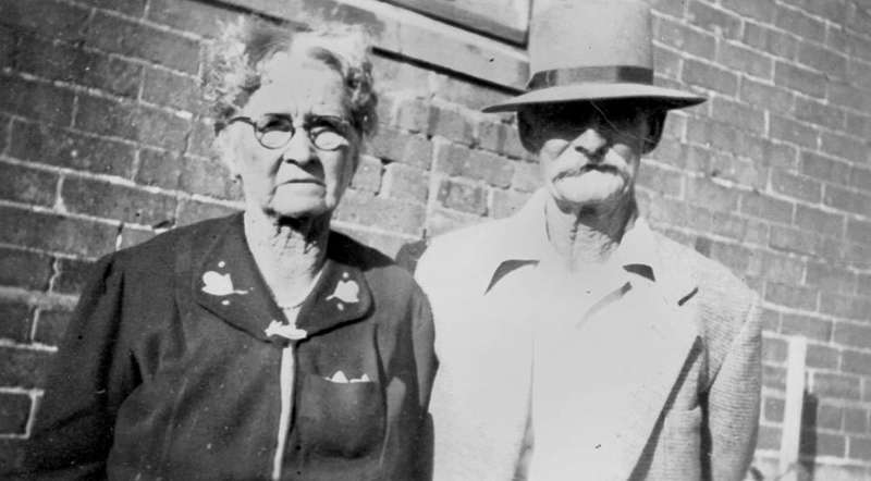 Picture of / about 'Winton' Queensland - Mr and Mrs Fred Cragg